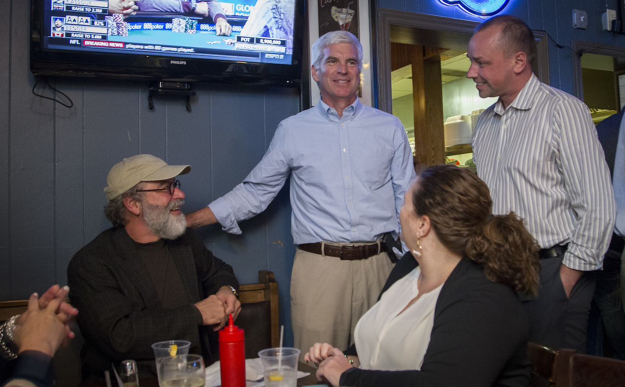While we wait for our burgers at Tipsy'z Tavern, Michael catches up with more friends from Old Hickory. The tiny tavern is packed with the High Point crowd.