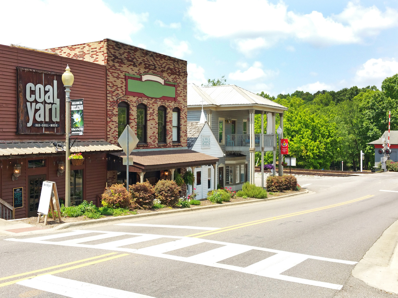 Picturesque Helena Road is the town's main street.