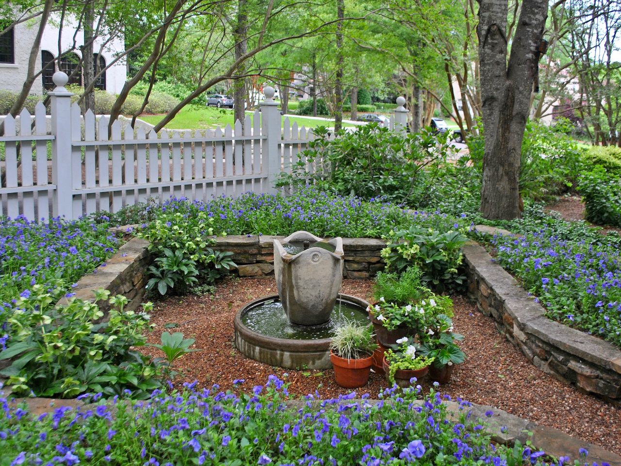 """""""We change the beds out two times per year,"""" says Jeanne. """"In fall with pansies and violas and in spring with begonias."""""""