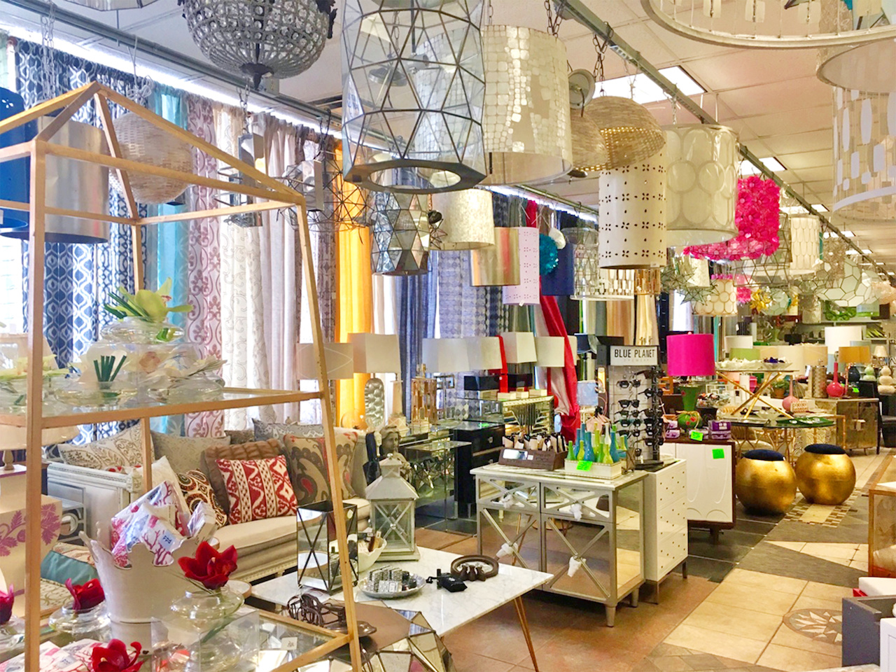 3 top shelf budget friendly home decor shops for Home decor retailers