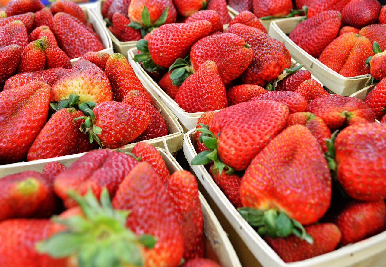 Just wash these gorgeous strawberries from Paul's and arrange on a plate to make a lovely Derby party presentation.