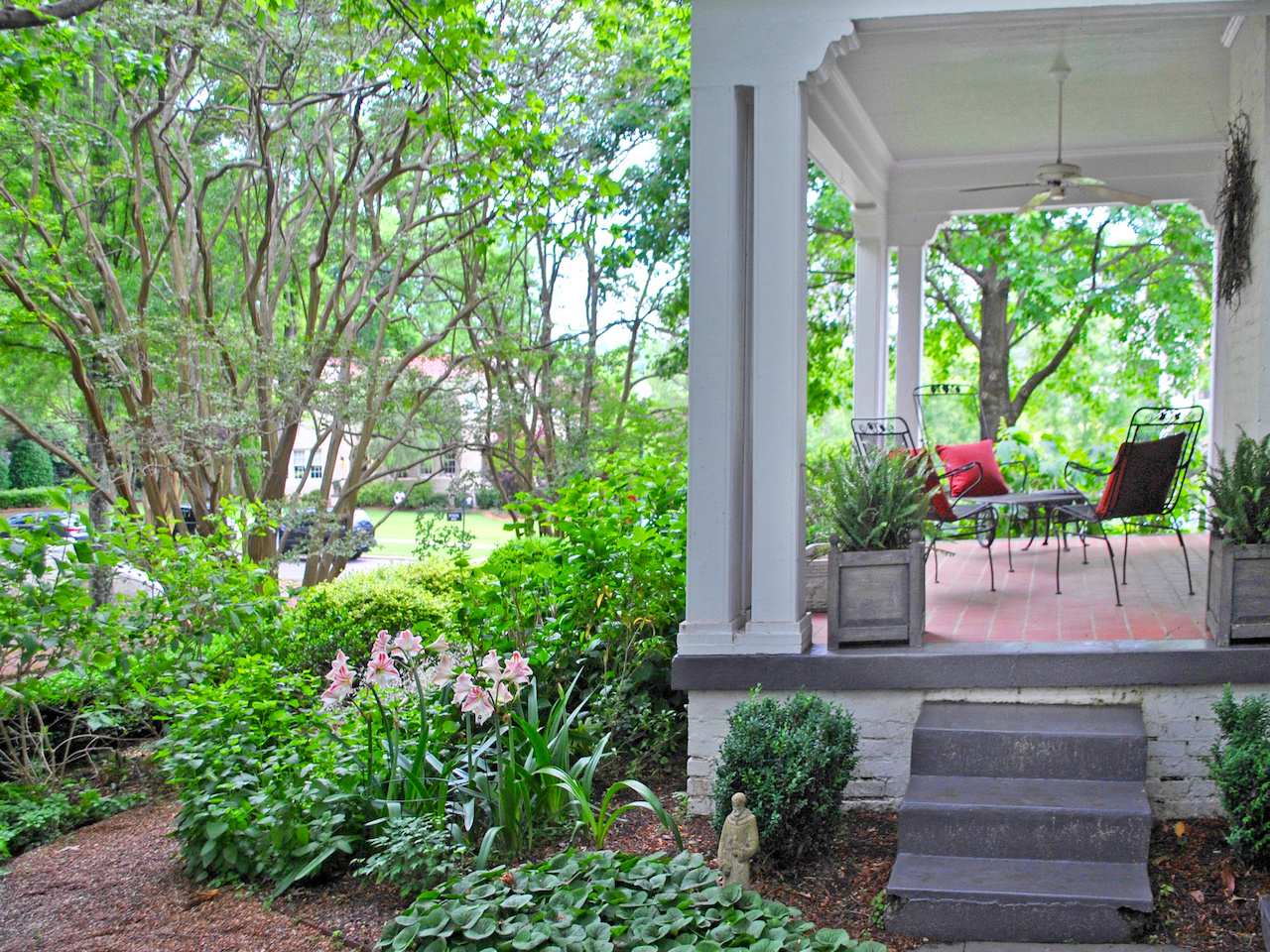 """""""We spend most of our time in our screened porch on back of house which we can use for 9 months a year,"""" says Jeanne."""