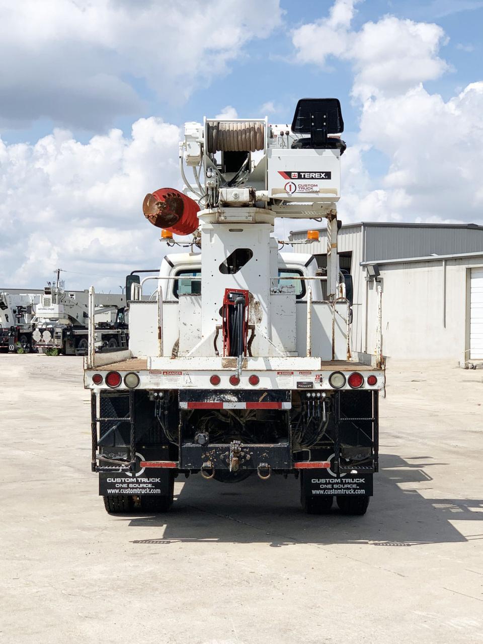 Terex Commander 4047 Digger Derrick on 2015 Freightliner M2106 4x4