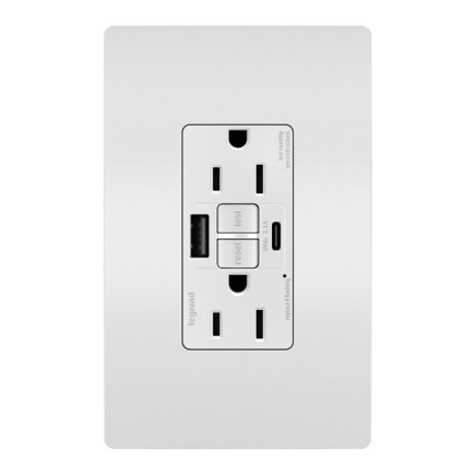 tamper resistant outlet with screwless wall plate