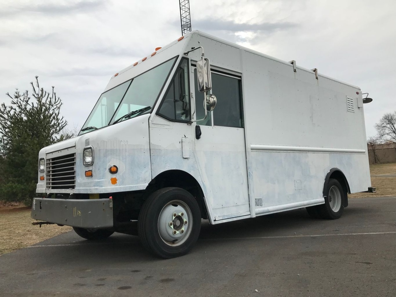 2006 Freightliner MT45 4x2 Van:Delivery/Passgr - Custom Truck One Source