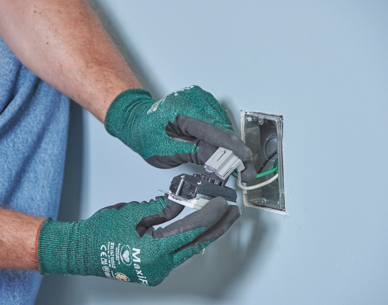Electrician using PlugTail