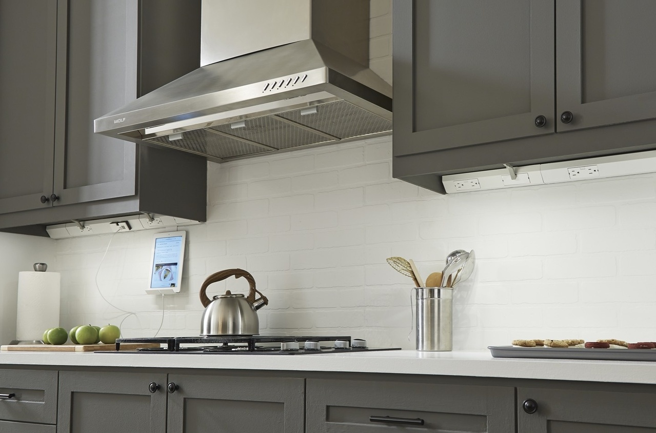 Desktop image of adorne Under-Cabinet Lighting in kitchen with modern kitchen