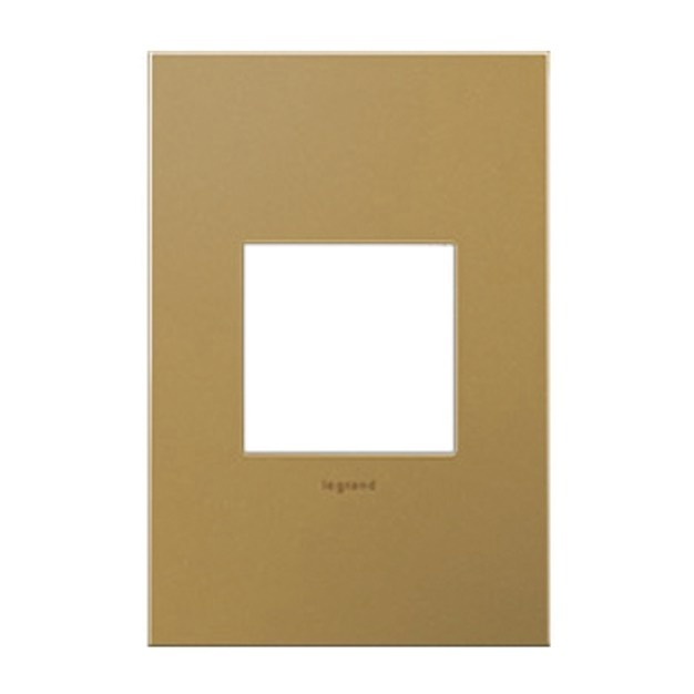 Desktop image of gold adorne Wall Plates