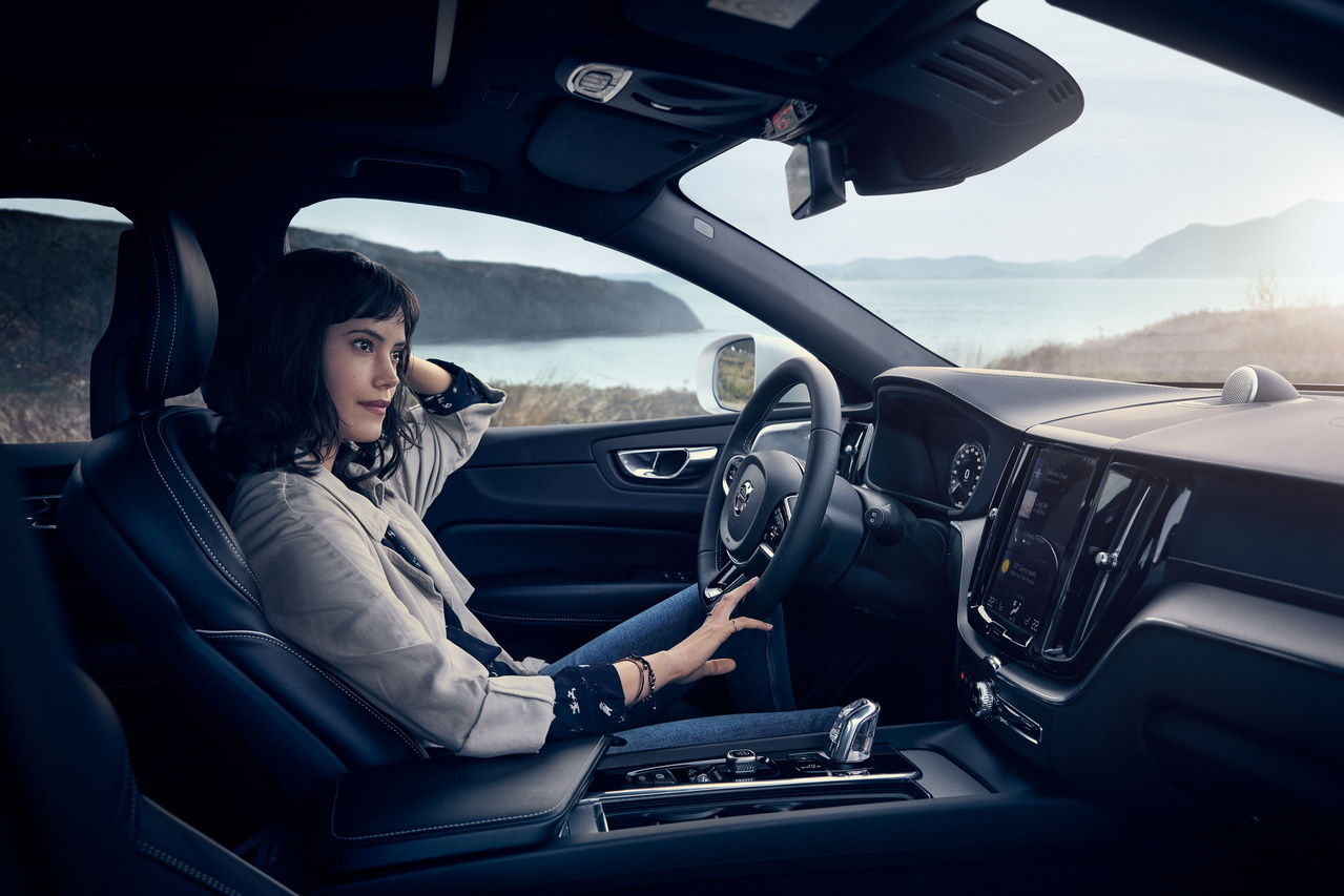 Woman Driving Volvo - Premier Volvo Cars Overland Park