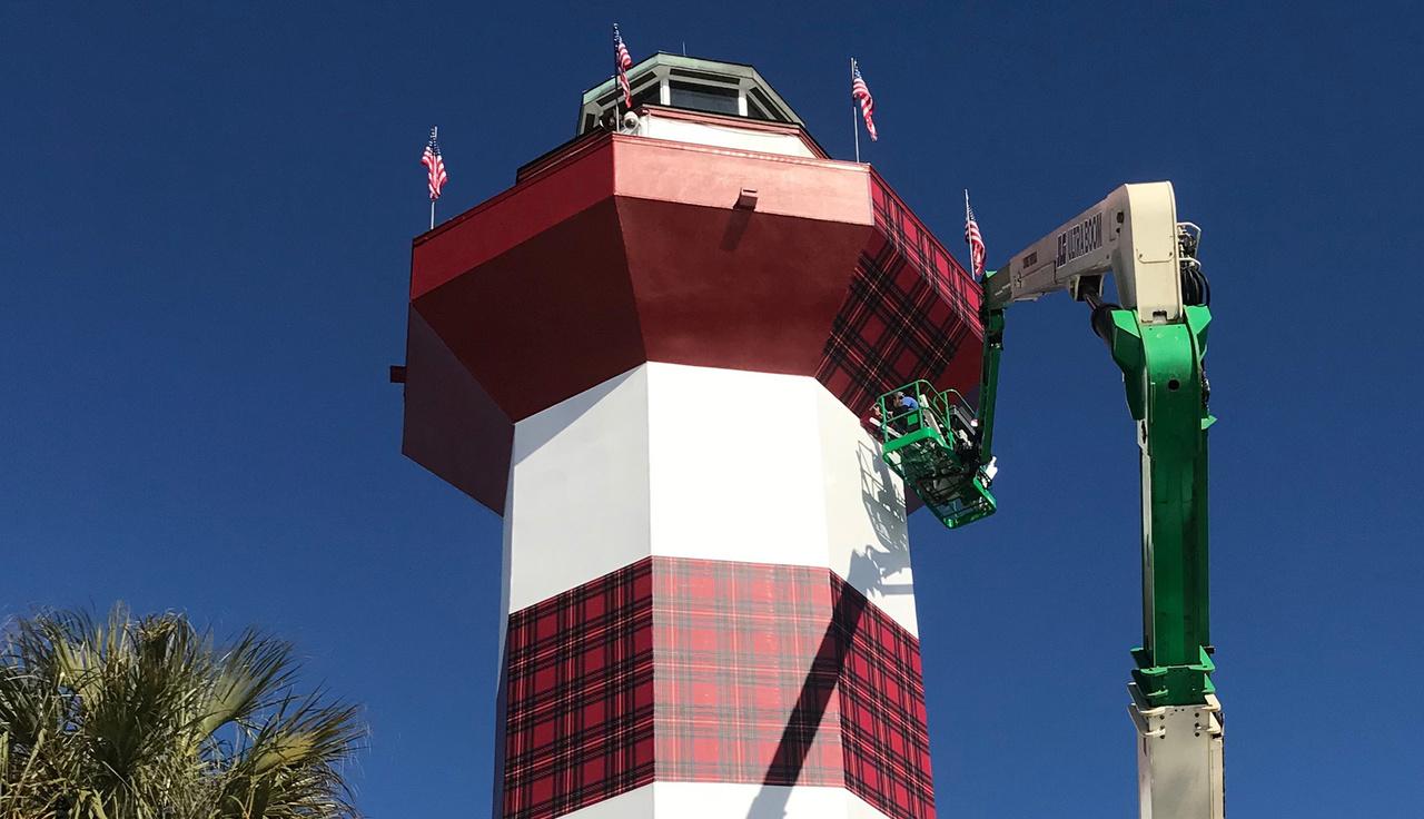 img_hero_harbour town lighthouse.jpg