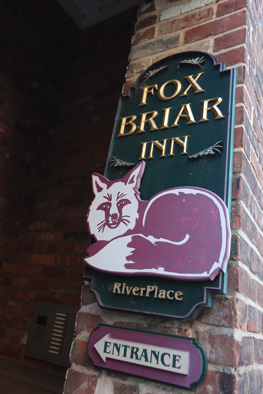 Welcome to the Fox Briar Inn at Riverplace