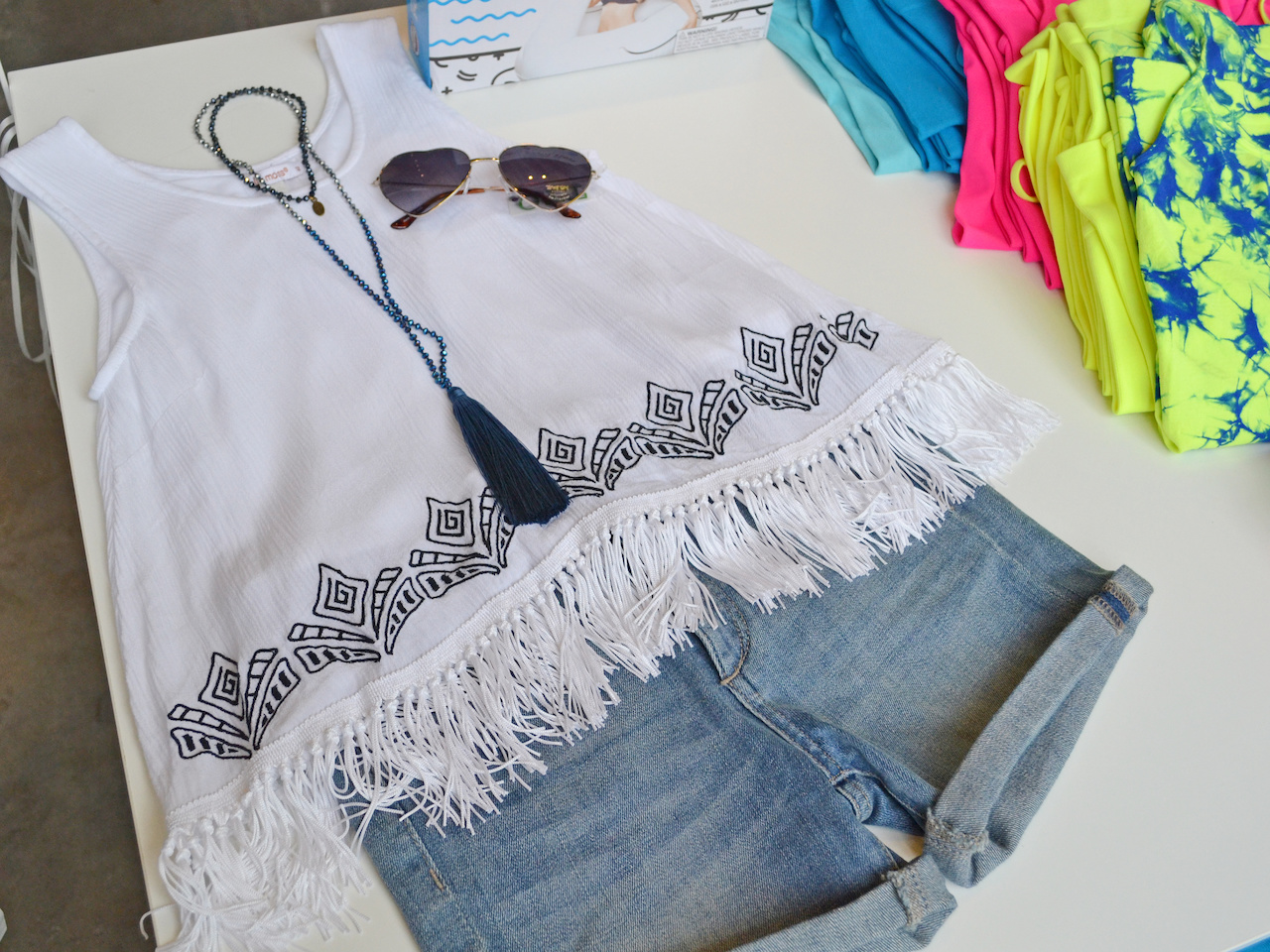 Make your tweens day with this adorable summer outfit!
