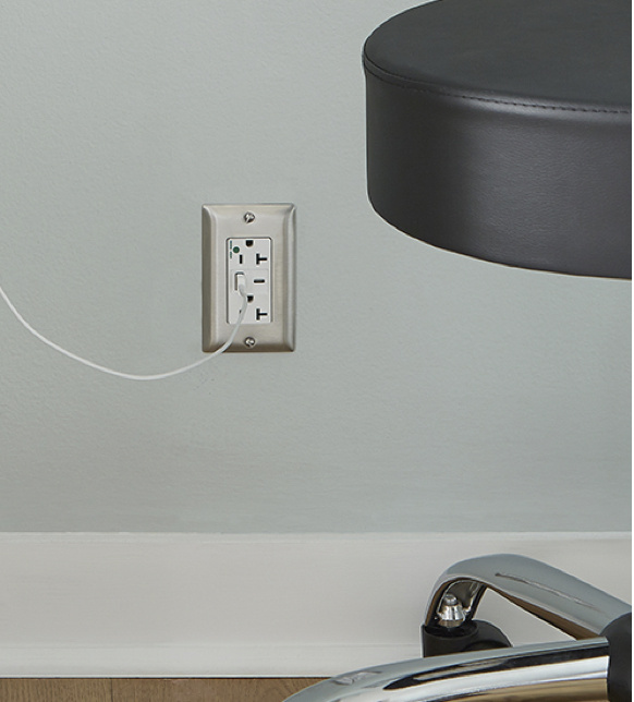 plugtail receptacle in doctors office