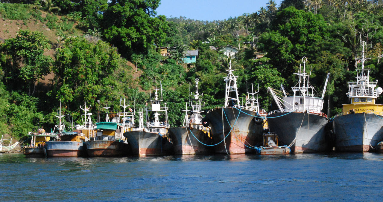 Indonesia-2016-vessels-Awaiting-disposal-OLE.jpg