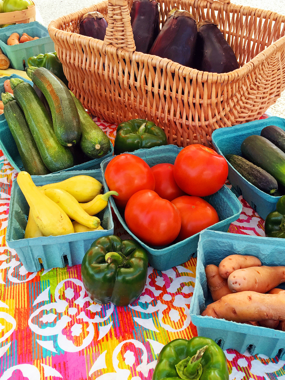 This table of offers a rainbow of fresh veggies!