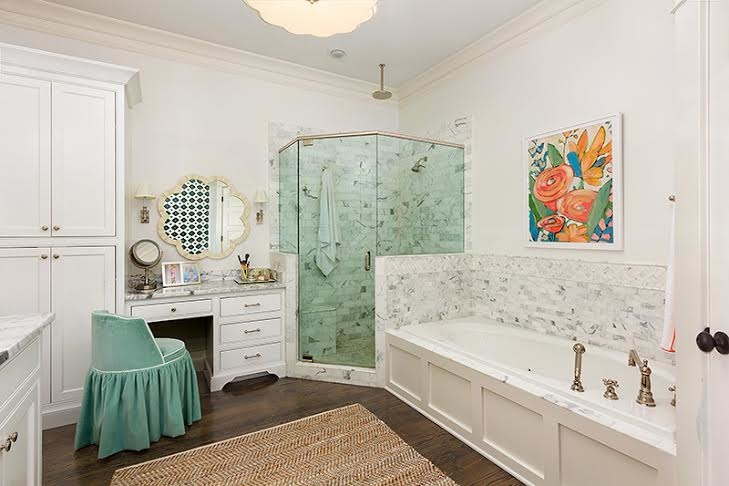 master bath has effective lighting and color