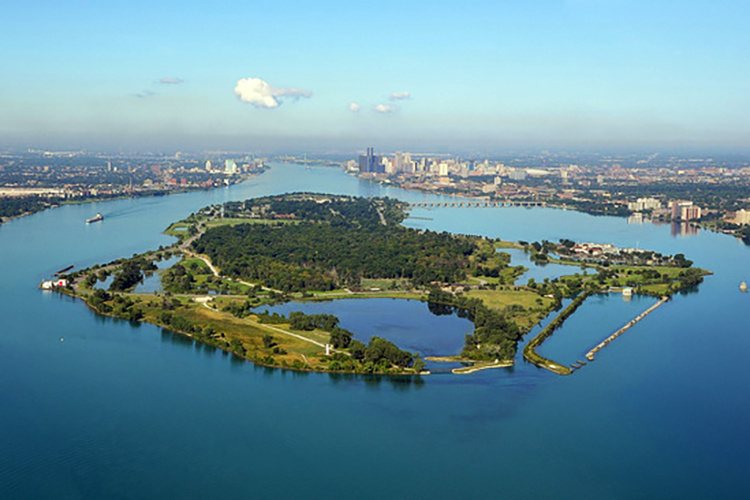 Looking downstream of the Detroit River at Belle Isle. Photo: Detroit Riverkeeper.