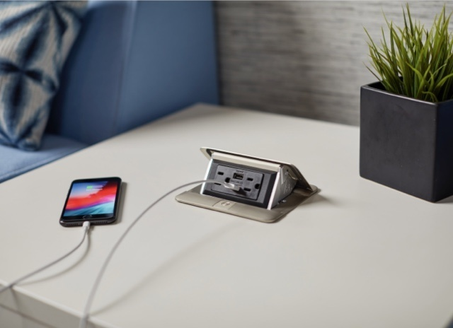 dequorum flip up table box with phone plugged in