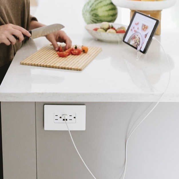 USB Outlet in kitchen island for fast charging