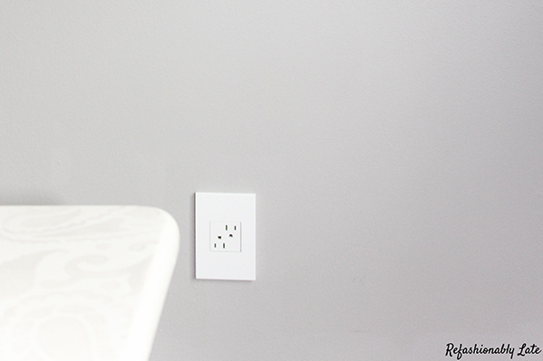 Gloss White-on-White 1-Gang Wall Plate