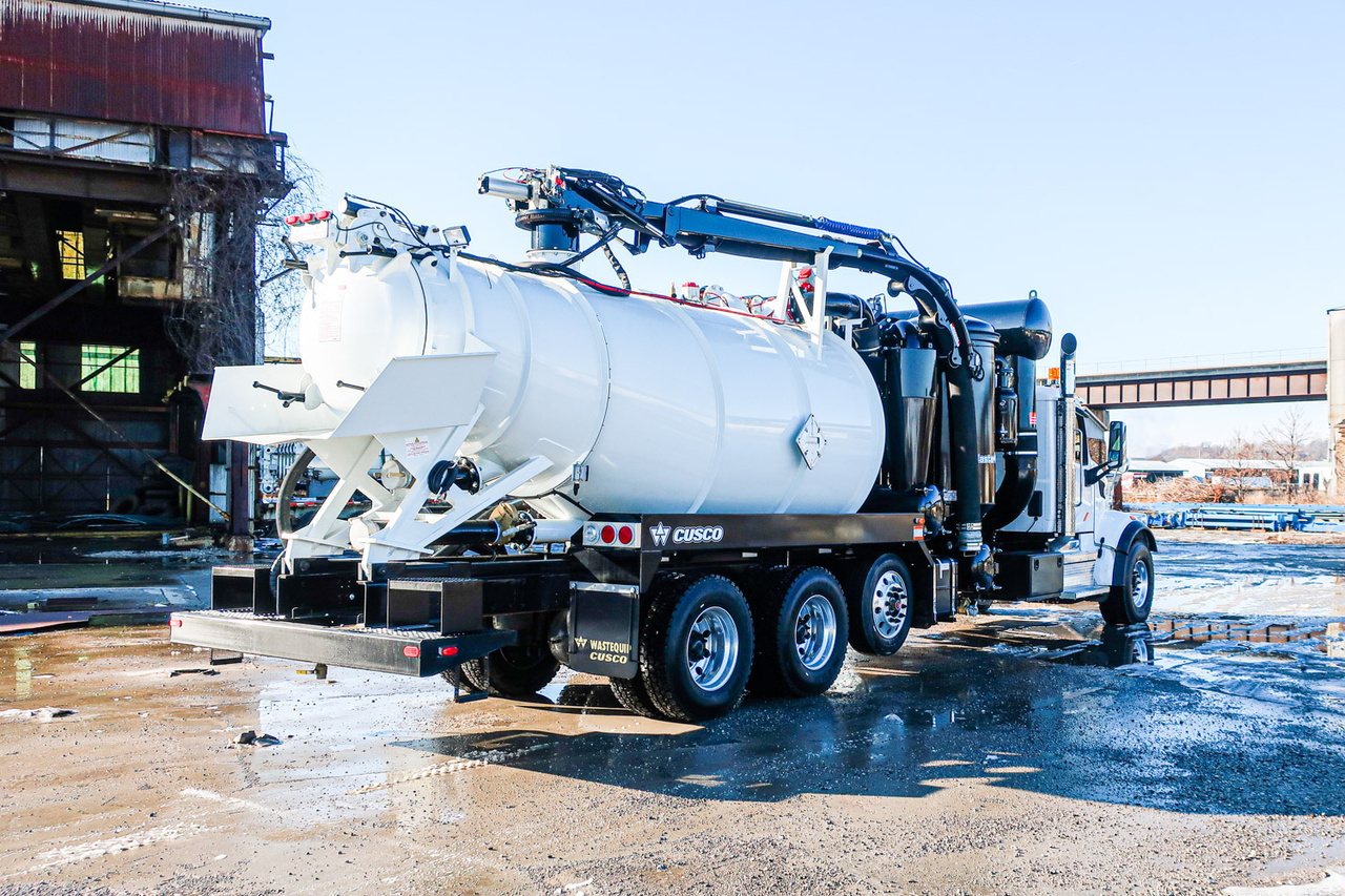 2020 Peterbilt 567 8x4 CUSCO MasterVac 5327 NON HD Hydrovac Truck