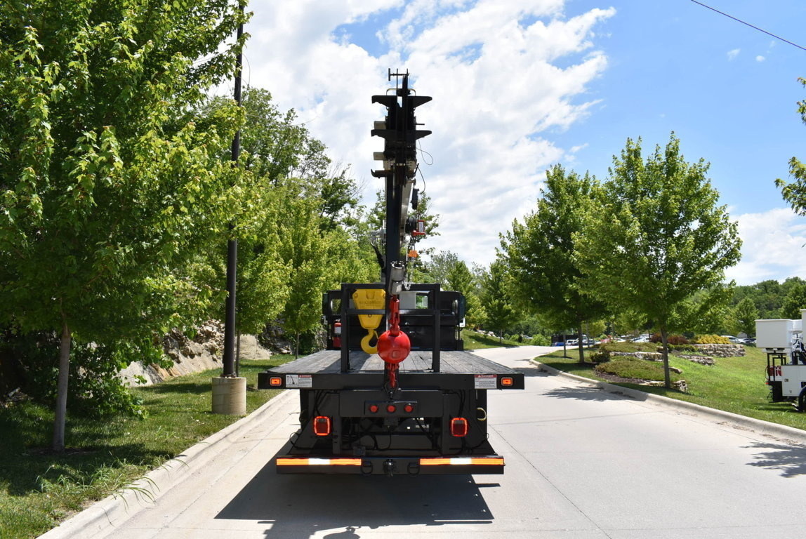 2011 International 4300 4x2 National NBT1560 Boom Truck