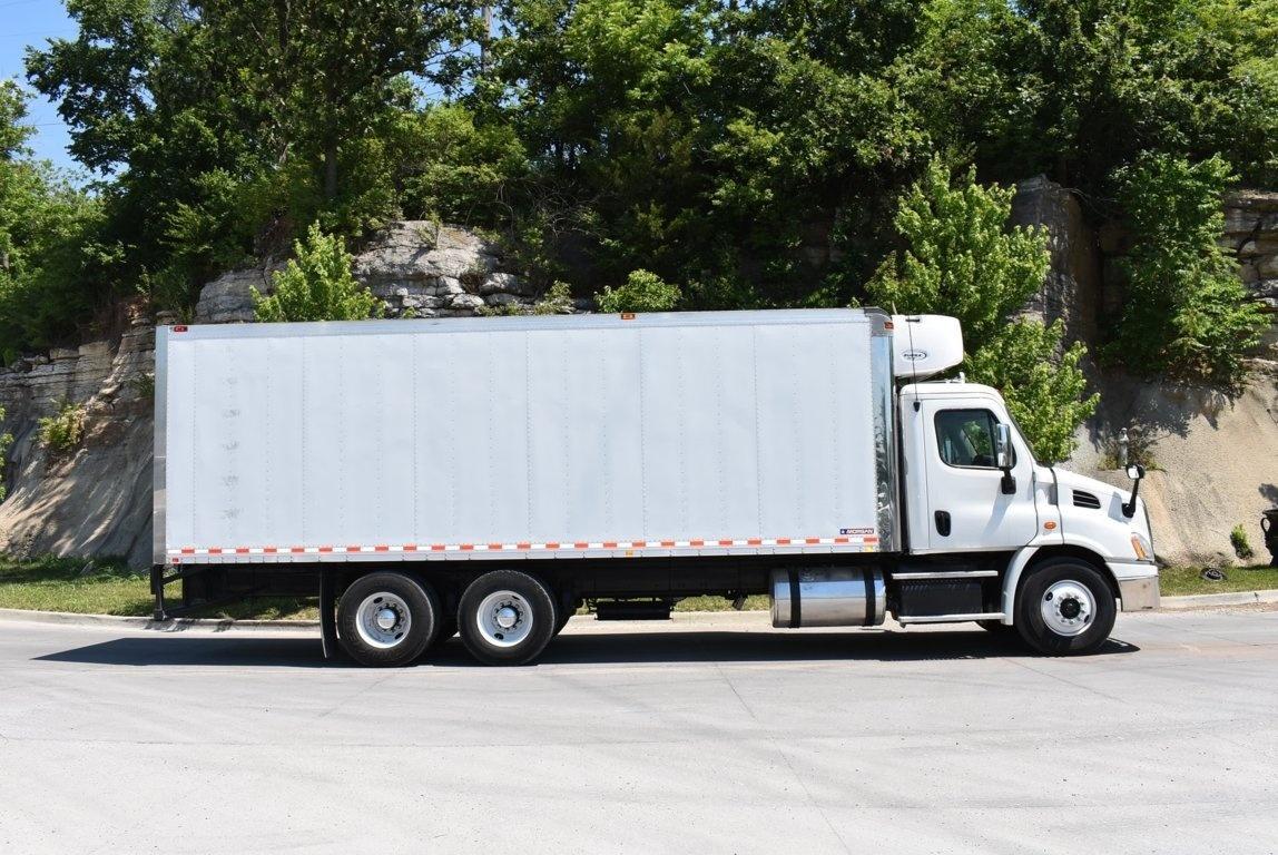 2016 Freightliner Cascadia 6x4 Van Body