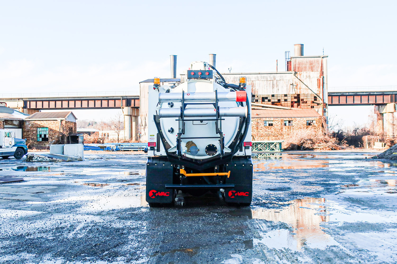 2019 Peterbilt 567 8x4 X-Vac X13 Hydrovac Truck