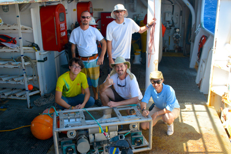 Scientist and NOAA intern group photo.