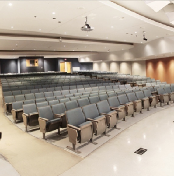 Tunable White Lighting Solutions in a higher education classroom lecture hall