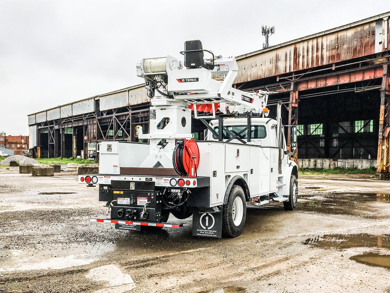Terex Commander 4047 Digger Derrick on 2020 Freightliner M2106 4x2