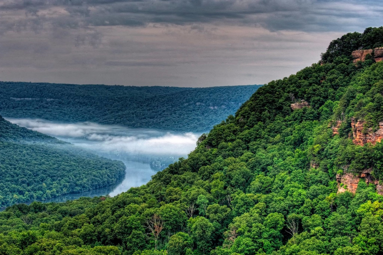 Travel the Tennessee River Gorge anytime of year