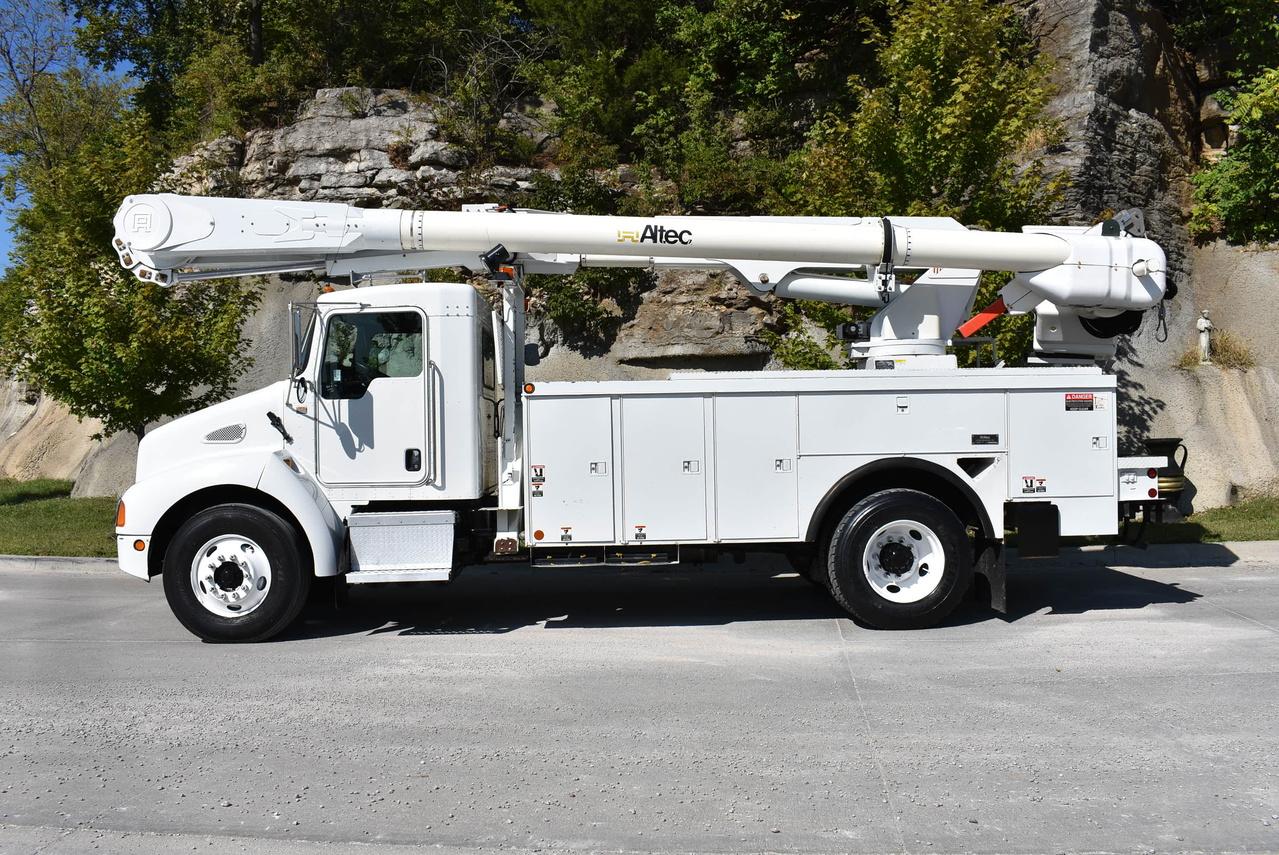 2003 Kenworth T300 4x2 Altec AM55-MH Bucket Truck - Custom