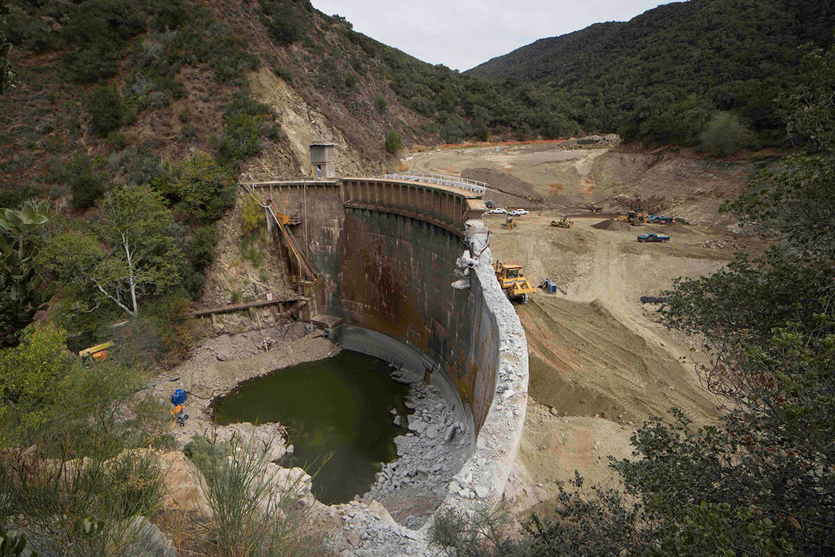 San Clemente dam and removal equipment