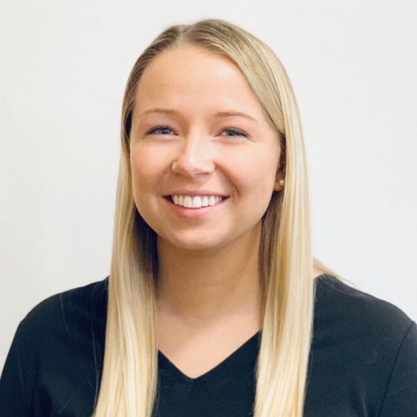 Kelsey Dombrosky headshot