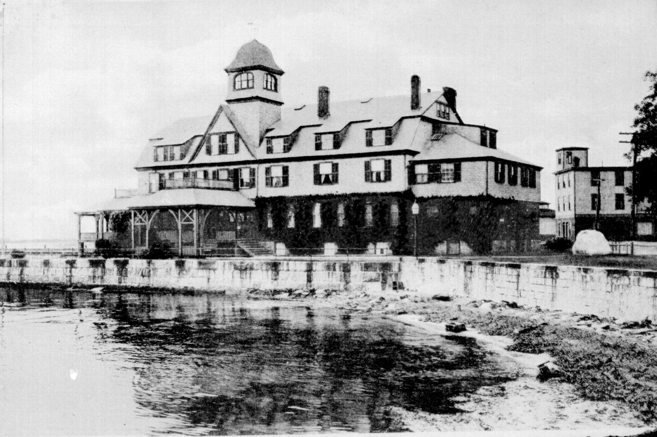Woods Hole lab in 1891