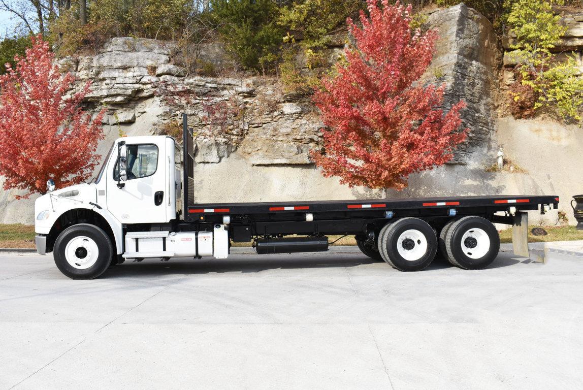 2013 Freightliner M2106 6x4 Flatbed + Hoist