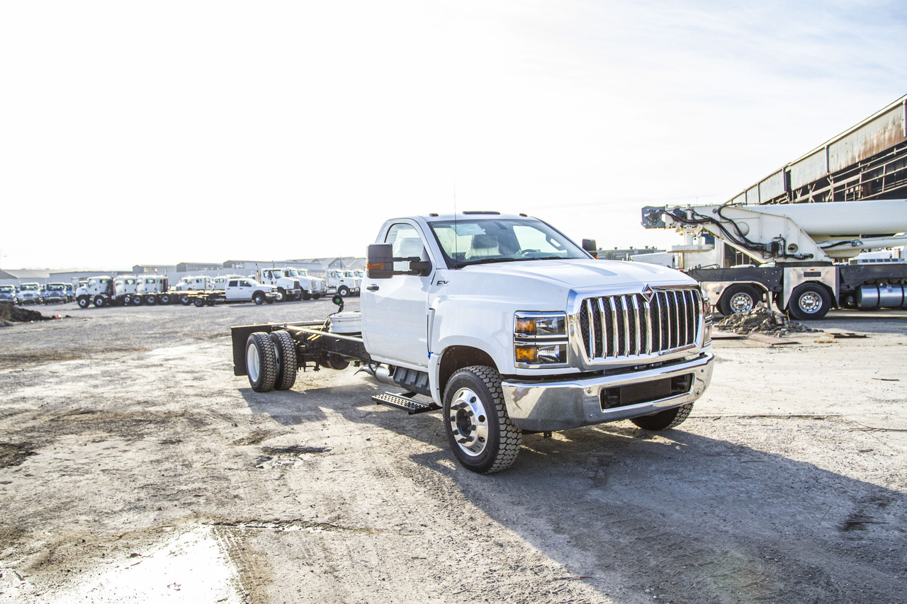 2019 International CV515 4x2 Cab & Chassis