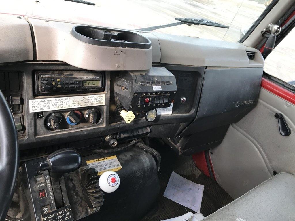 Terex Commander 4045 Digger Derrick on 2002 International 4900 4x2