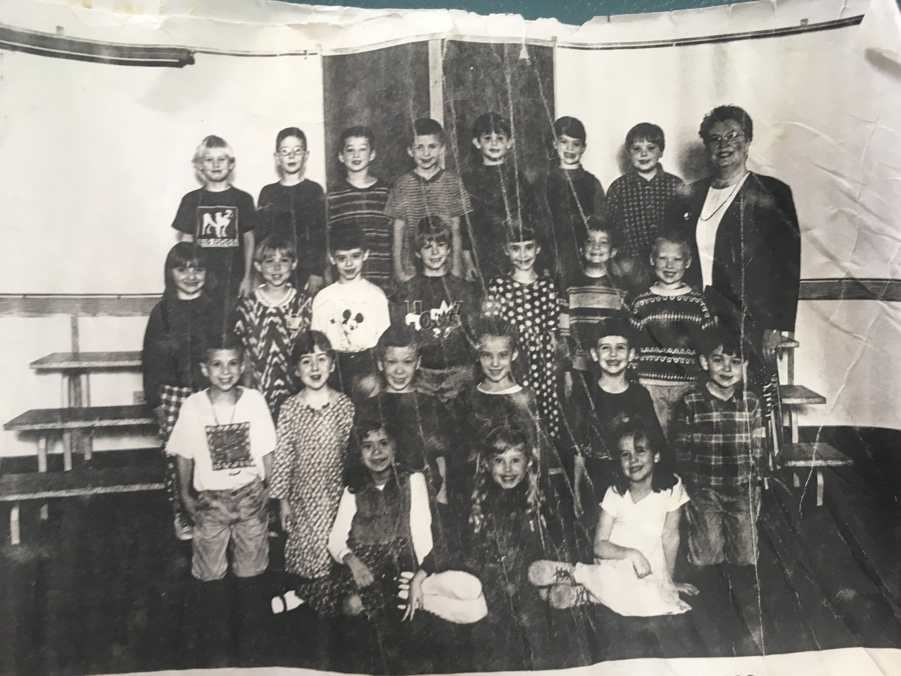 Black and white photo of kindergarten class.