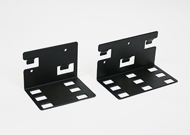 InteGreat Perpedicular Mounting Brackets can compactly attach 5 retractors to the InteGreat Table box.