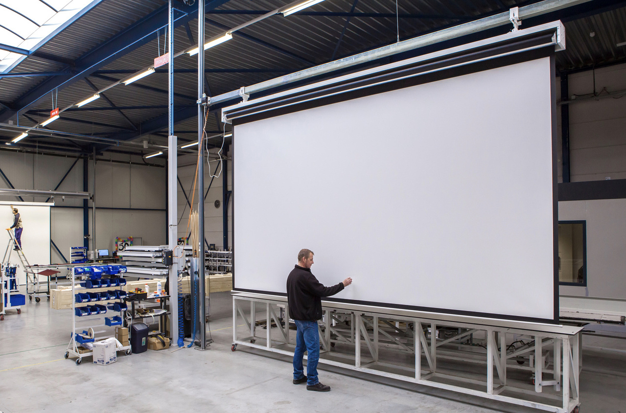 Desktop and tablet image of Project Projection Screen Academy