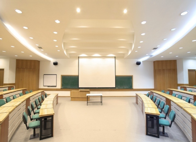 Wattstopper Human Centric Lighting in a college classroom