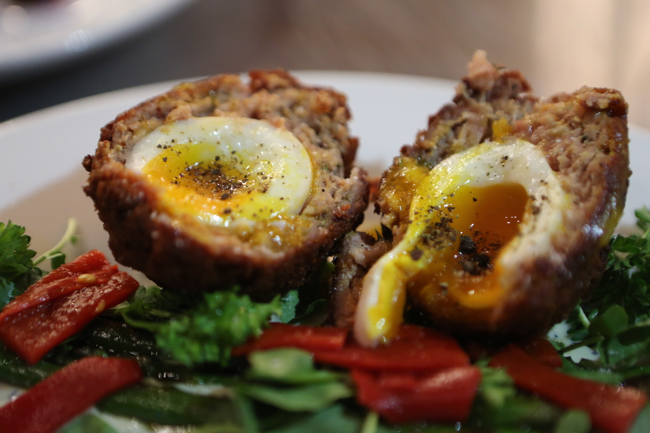 The Scotch egg starter was divine!
