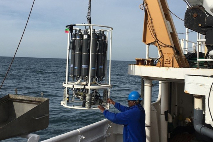 A water sampling instrument is deployed from the Gordon Gunter. Photo: NOAA Fisheries