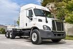 001JSJR6340 (UT36274) 2018 Freightliner Cascadia 6x4 Sleeper Truck 002.JPG
