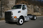 2008 Sterling A9500 Tractor 33000 (1).JPG