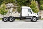 001JSJR6340 (UT36274) 2018 Freightliner Cascadia 6x4 Sleeper Truck 004.JPG