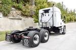 001JSJR6340 (UT36274) 2018 Freightliner Cascadia 6x4 Sleeper Truck 006.JPG