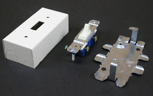 500/700 15A, 125V Single Pole Switch and Box Fitting